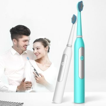 Solo 6 euro per lo spazzolino elettrico ultrasonico con 2 testine