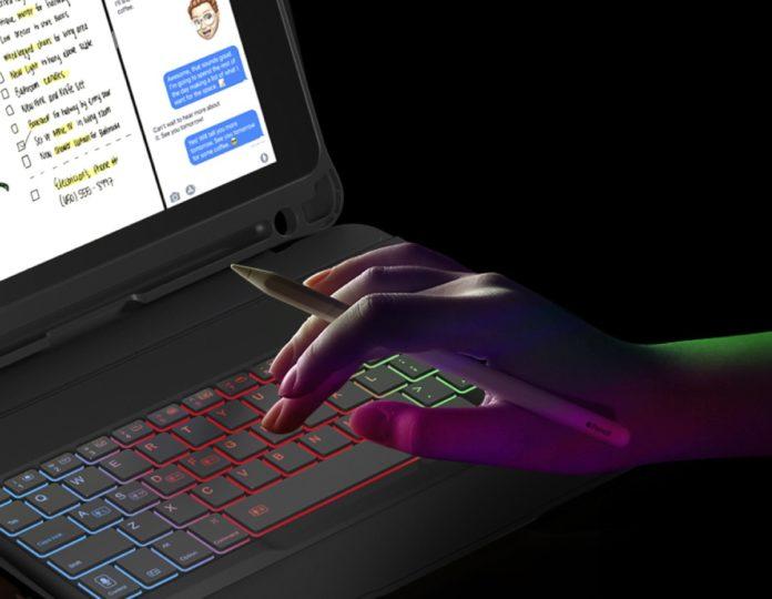 Inateck KB02008, cover-tastiera retroilluminata per iPad 9,7'' in sconto a 29,99 euro