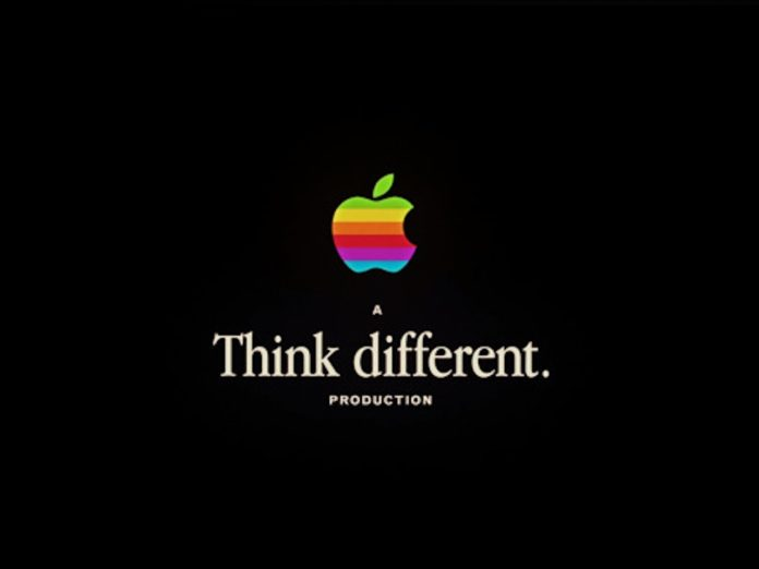 "Think different, 1984 e le silhouette con iPod: tutta la storia di Apple nel video di lancio di ""It's show time"""