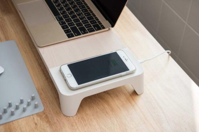 XtremeMac, lo stand per monitor con ricarica wireless