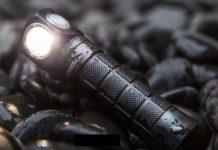 Convoy H1, torcia LED da 1.046 lumen con fascia frontale