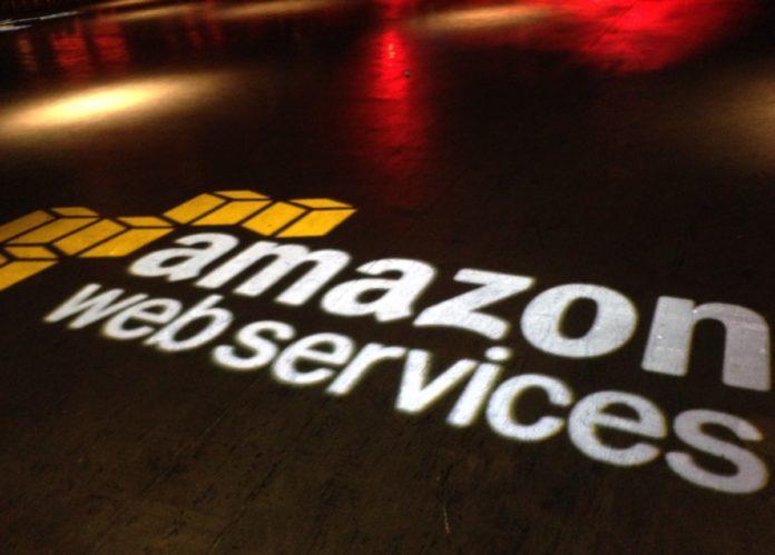 Apple, Amazon e Google rimuovono Parler dai rispettivi store