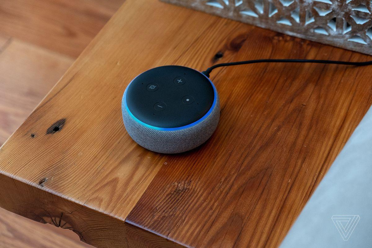 Amazon Echo in sconto, in kit con Philips Hue si risparmia fino al 46%