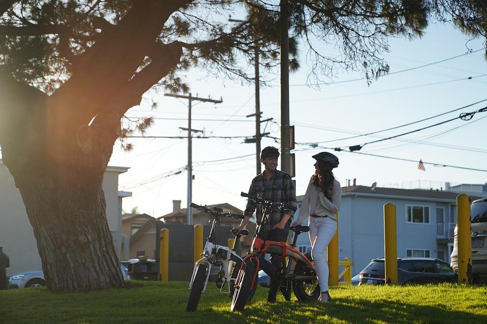 Come rispettare il codice della strada con le bici elettriche