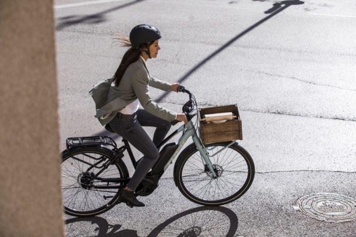 E-Bike, molto più che una semplice moda: la rivoluzione parte dalle città