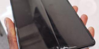 Galaxy Fold rotti dopo un giorno di utilizzo, Samsung risponde