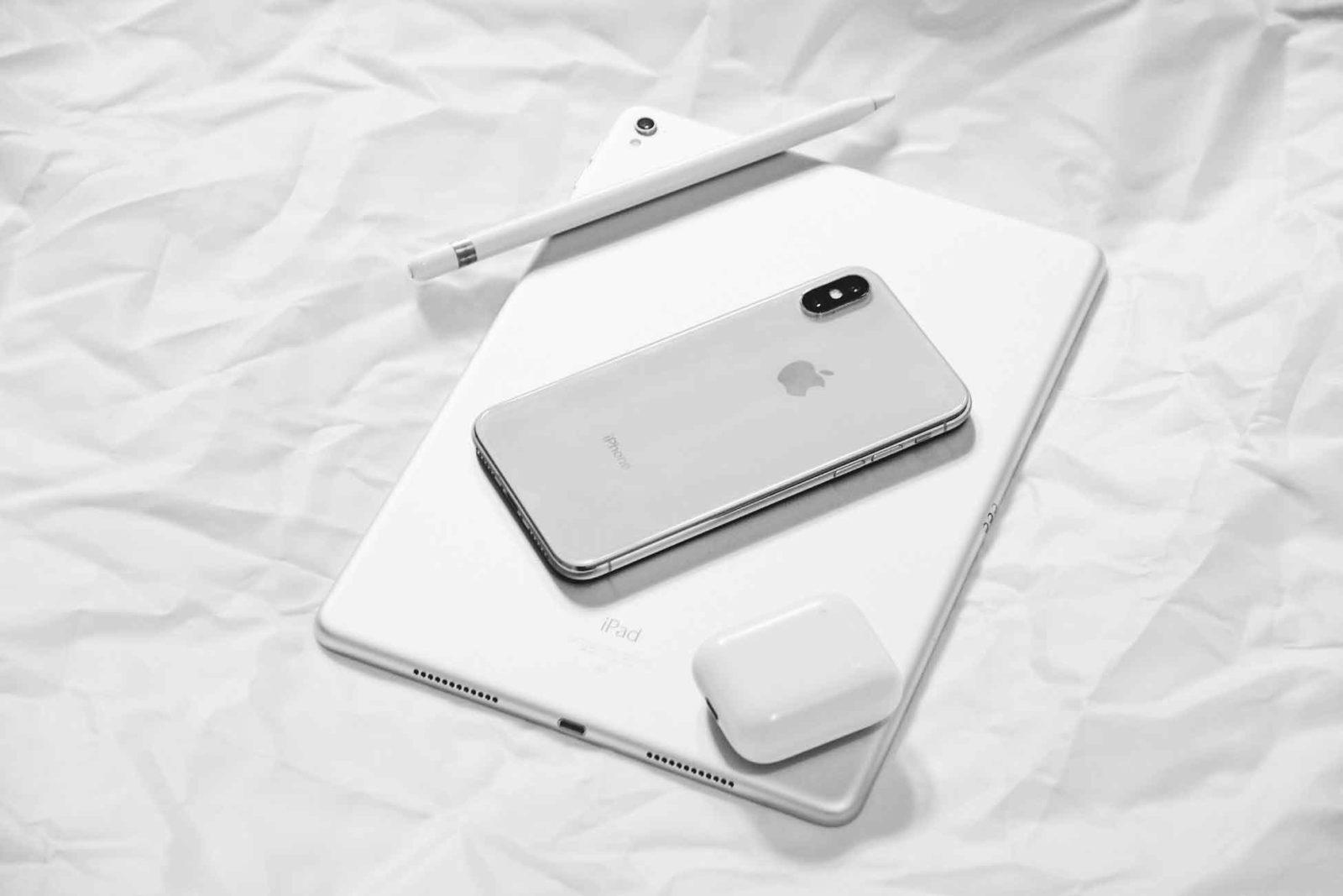Nuovi iPhone 2019 con batteria più grande e condivisione di carica wireless