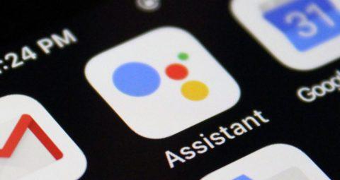 Siri e Google Assistant pari merito nella gara per l'assistente vocale più utilizzato