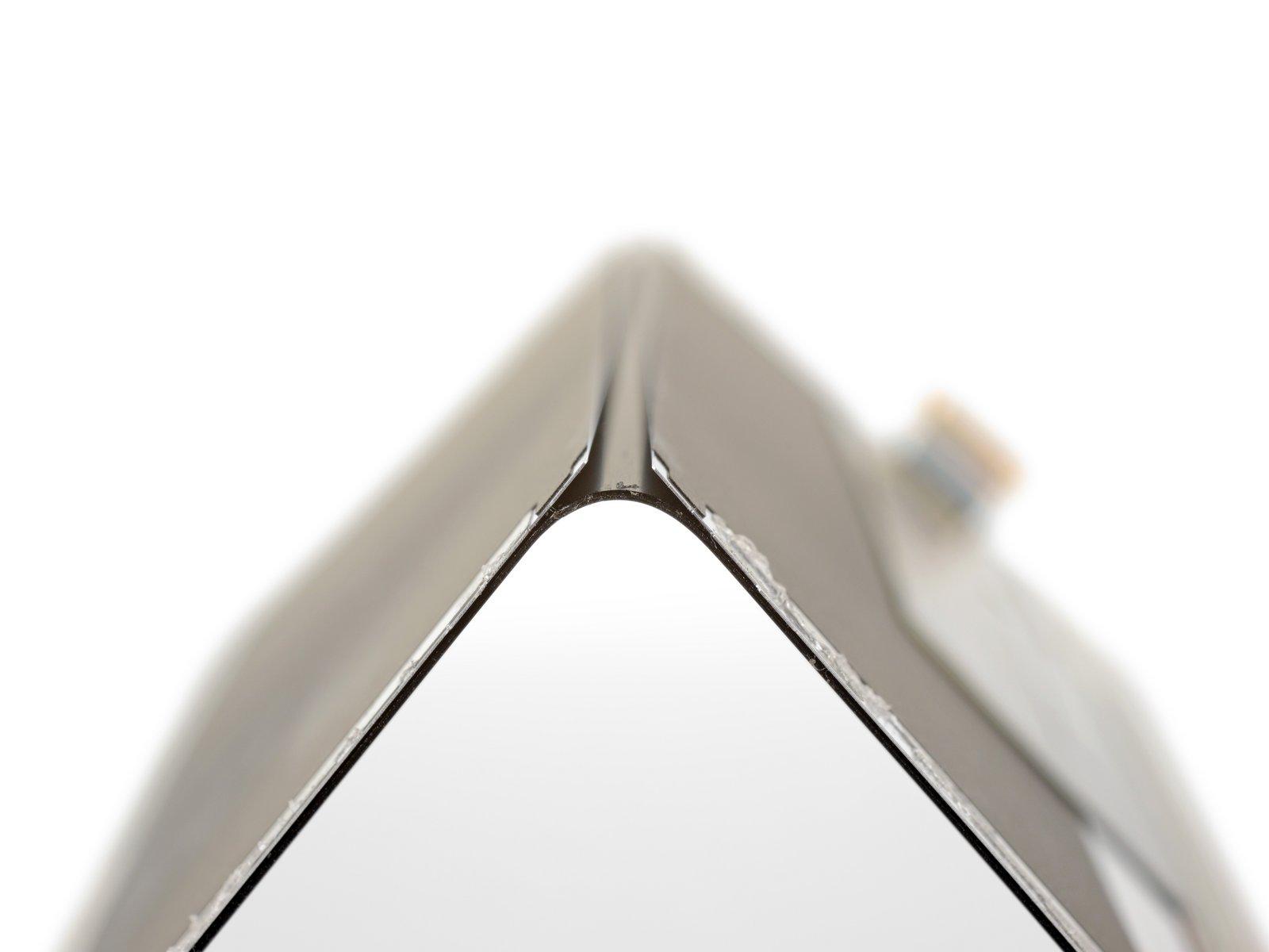 iFixit ha smontato il Samsung Galaxy Fold e rivela il potenziale problema che fa rompere lo schermo