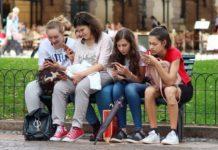 Doppio record iPhone: l'83% degli adolescenti usa ce l'ha, ancora di più lo desiderano