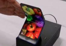 Anche Sharp mostra il prototipo di uno smartphone pieghevole