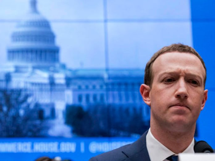 Zuckerberg copia Tim Cook: chiede leggi per la privacy e Internet