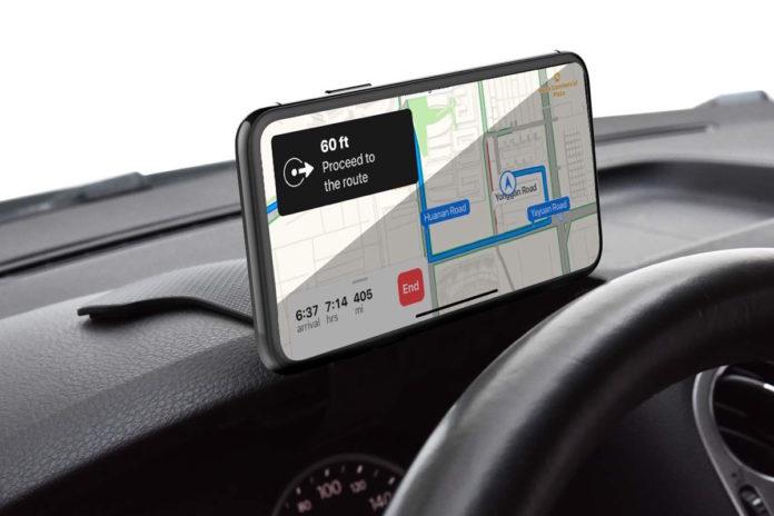 Supporto smartphone per auto con aggancio magnetico a soli 8,99 euro