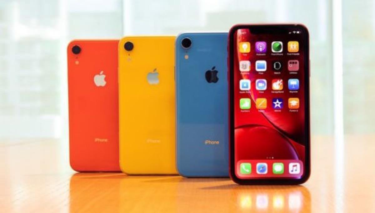 Vendite iPhone, IHS meno pessimista: spediti 43 milioni nel Q2