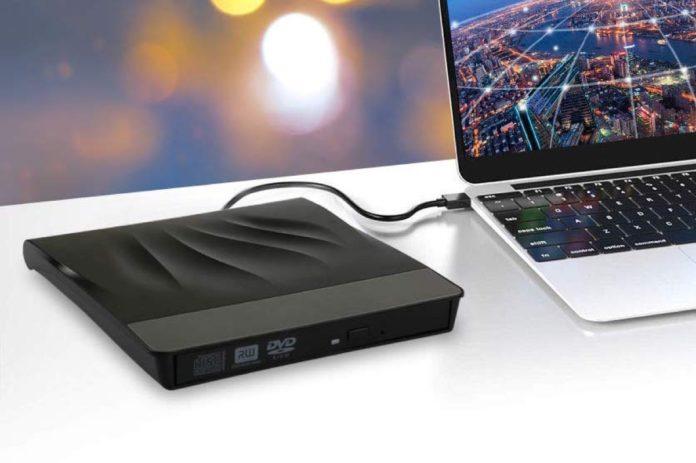 Masterizzatore CD/DVD con spina USB e USB-C in offerta a soli 16,79 euro
