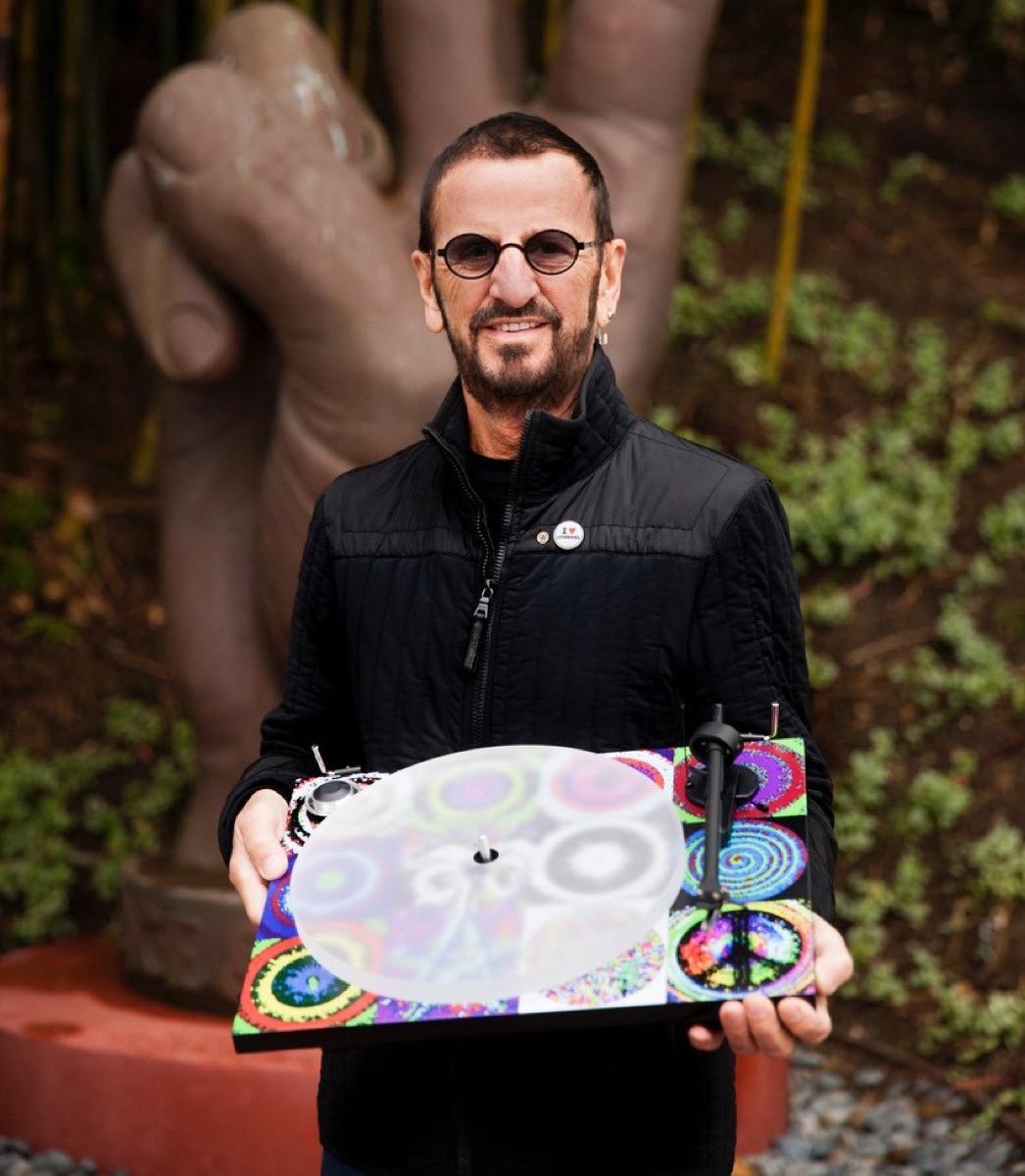 Ringo Starr Peace&Love, il giradischi Pro-Ject dedicato all'ex Beatles
