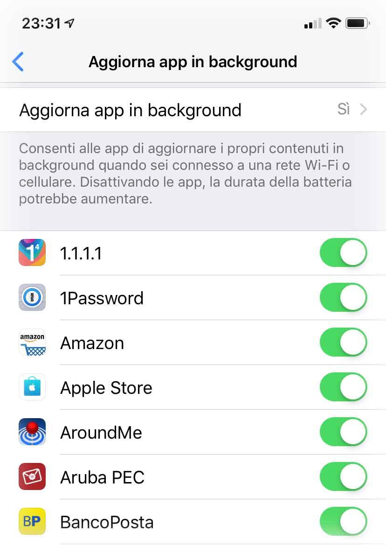 """Il Washington Post ha individuato varie app che tracciano l'utente sfruttando la funzione """"Aggiorna app in background"""" di iOS"""