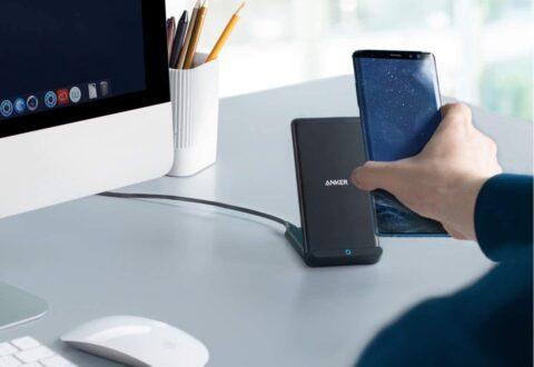 Caricabatterie wireless da tavolo di Anker in sconto a 23,99 euro solo oggi