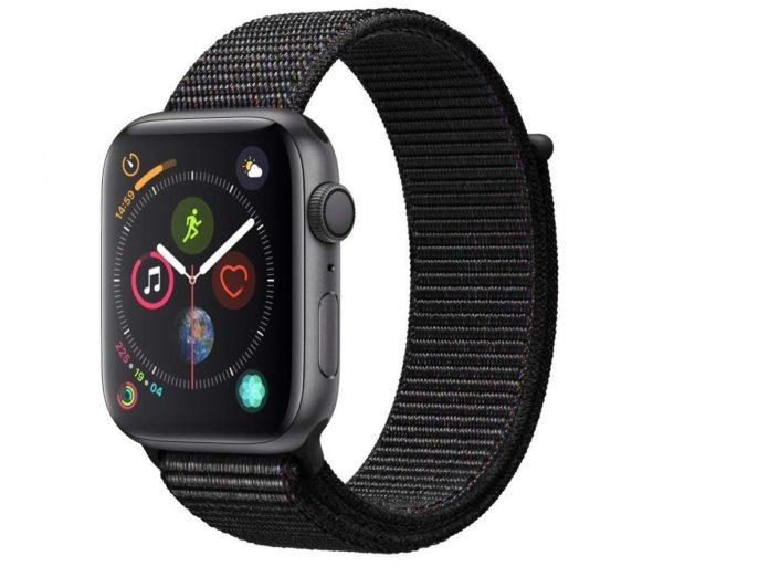 Apple Watch 4 da 44mm scontato su Amazon: 439 euro
