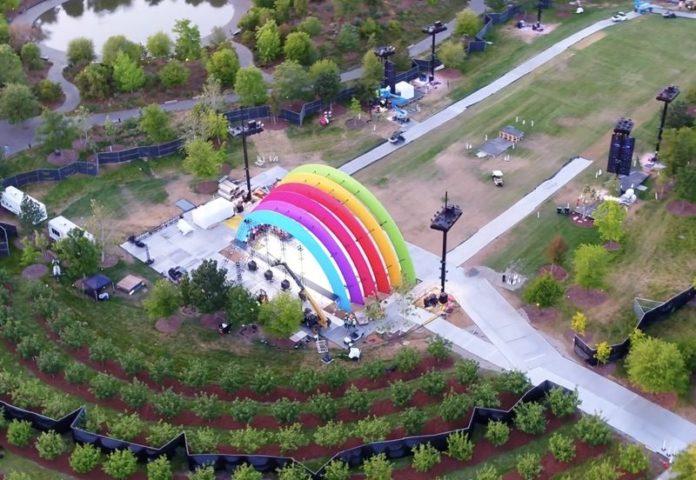 Le foto dell'apertura Apple Park e il tributo a Steve Jobs