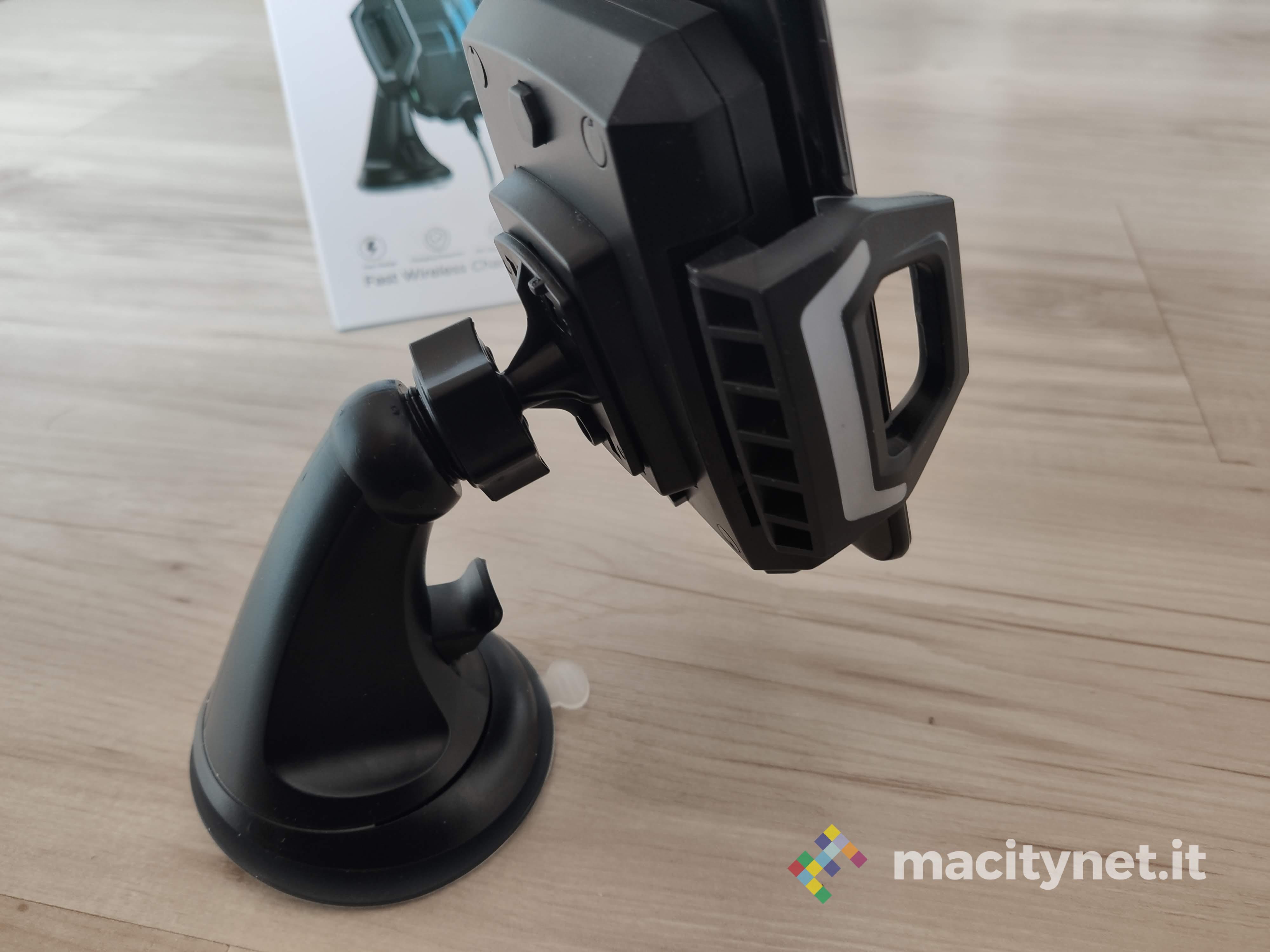 Recensione caricatore wireless per auto Choetech, robusto e resistente