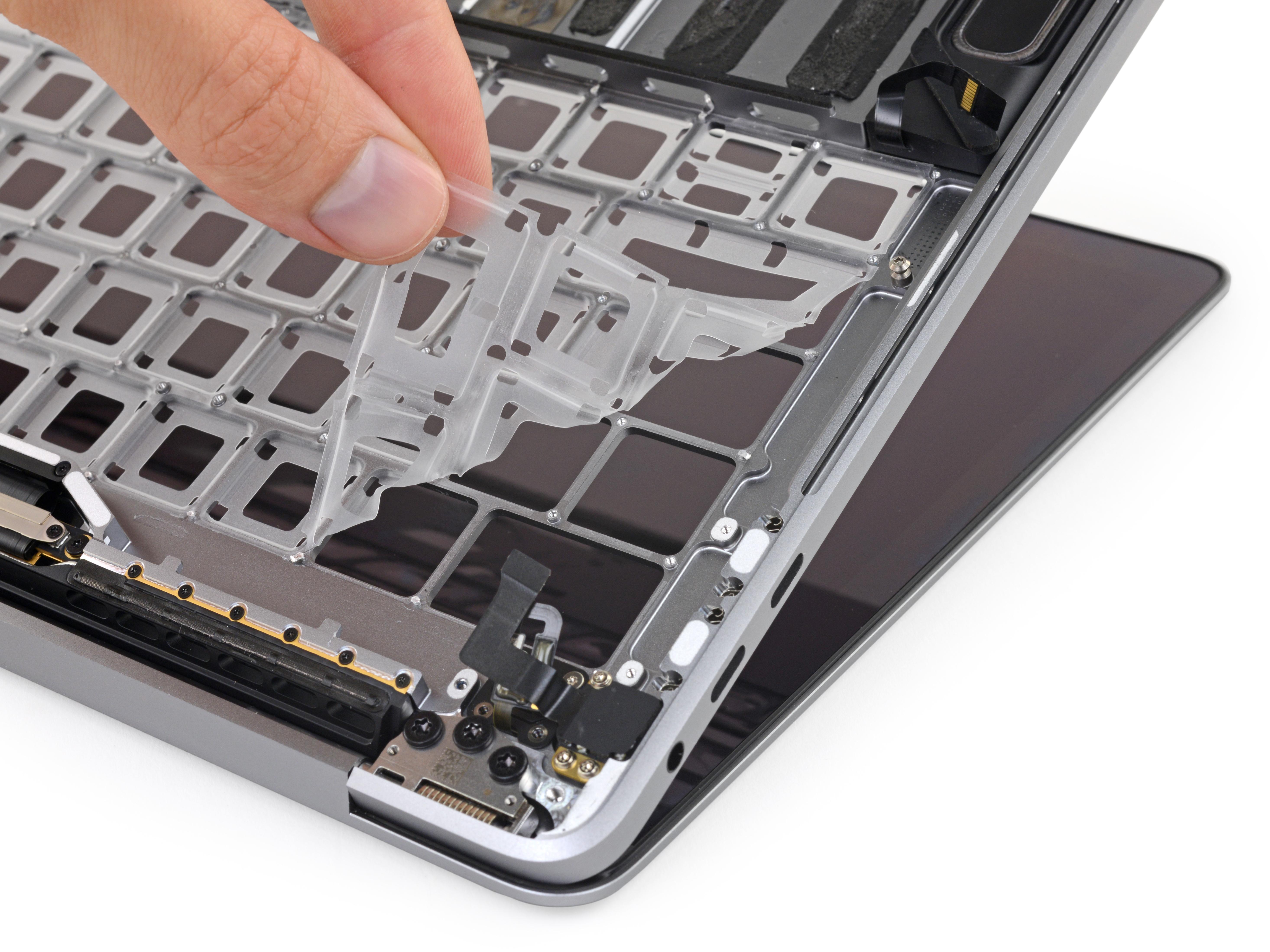 La membrana che apple aveva usato per limitare i problemi delle tastiere