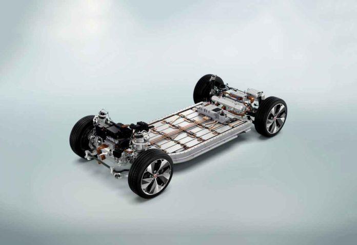 La Jaguar I-PACE vince tre premi agli International Engine + Powertrain of the Year Awards