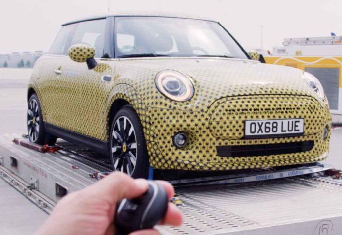 BMW, anche la Mini diventa elettrica