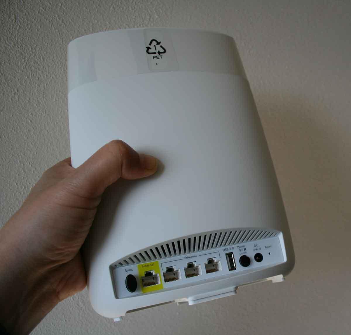 Recensione sistema Orbi Netgear RBK50 per portare il Wi-Fi mesh in