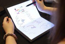 Prototipo di notebook pieghevole di Lenovo
