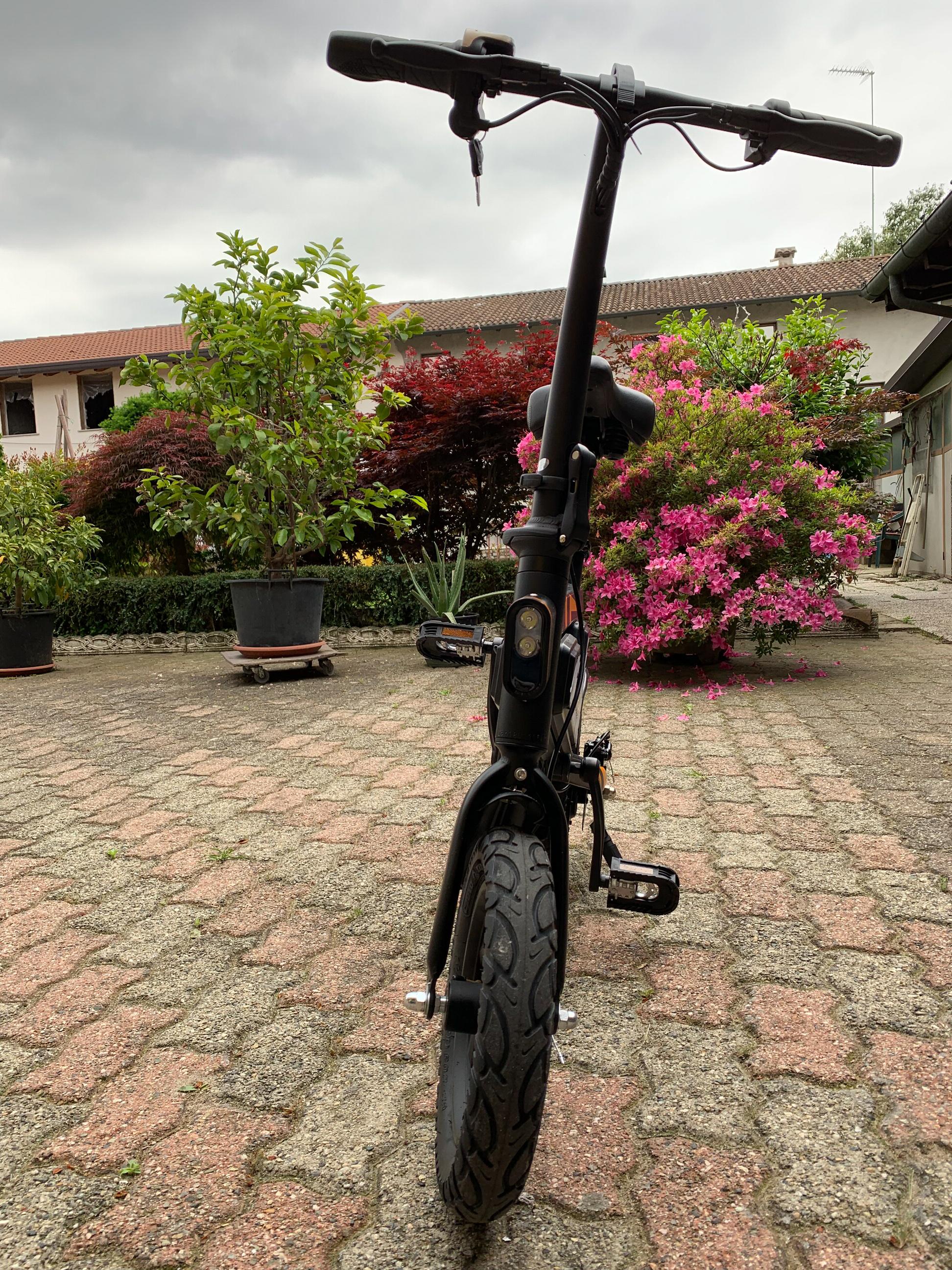 Recensione ZiYouJiGuang T18, lo scooter elettrico che voleva essere una bici