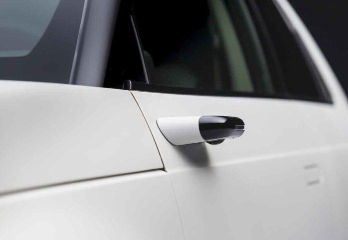 Il sistema di retrovisori laterali digitali sarà di serie sulla Honda e