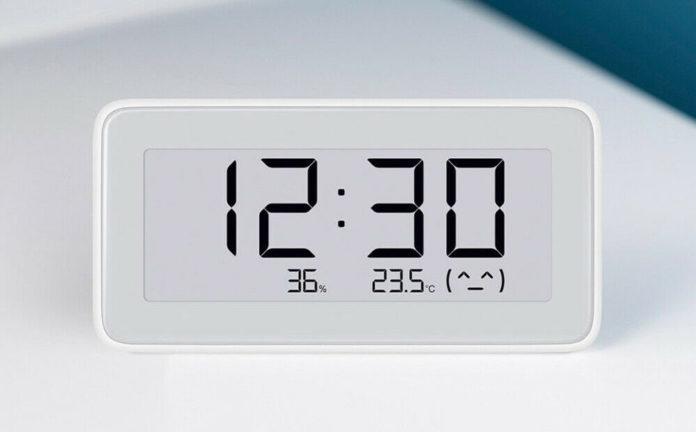 Orologio digitale e-ink smart con igrometro da Xiaomi a soli 15 euro in offerta