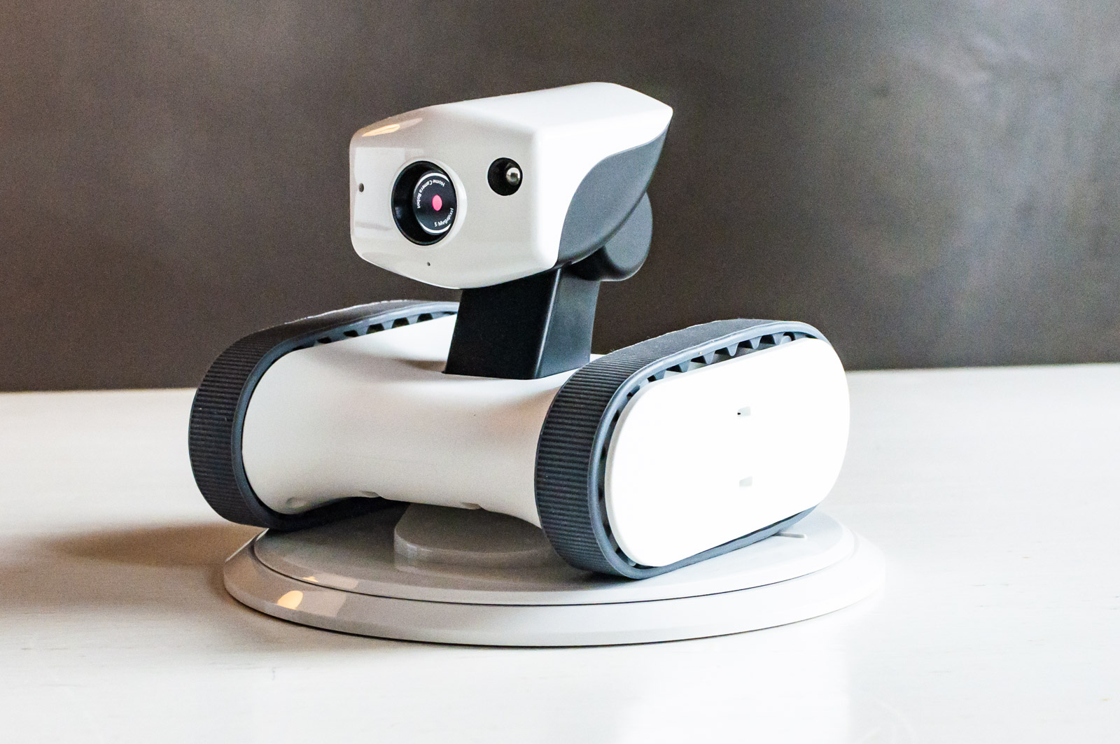 Recensione AppBot Riley, recensione del piccolo robot curioso di casa
