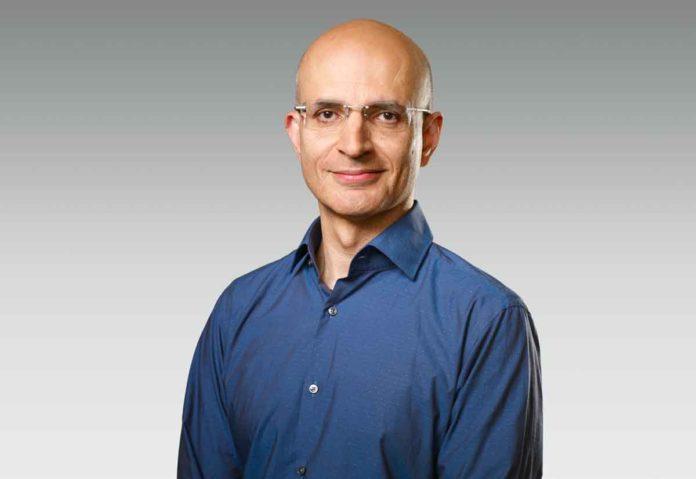 Sabih Khan promosso vice presidente responsabile operazioni in Apple
