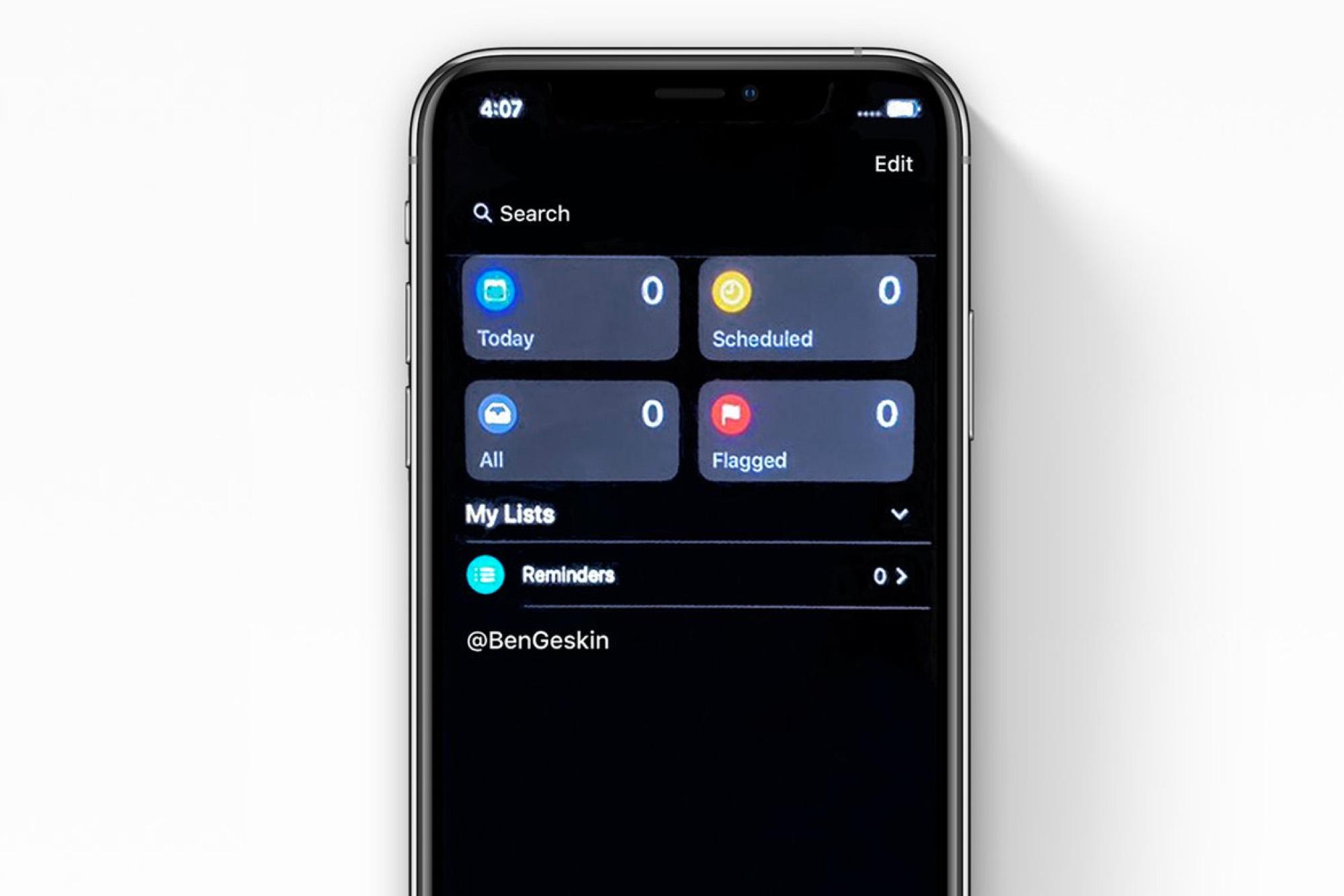 iOS 13, il tema scuro in