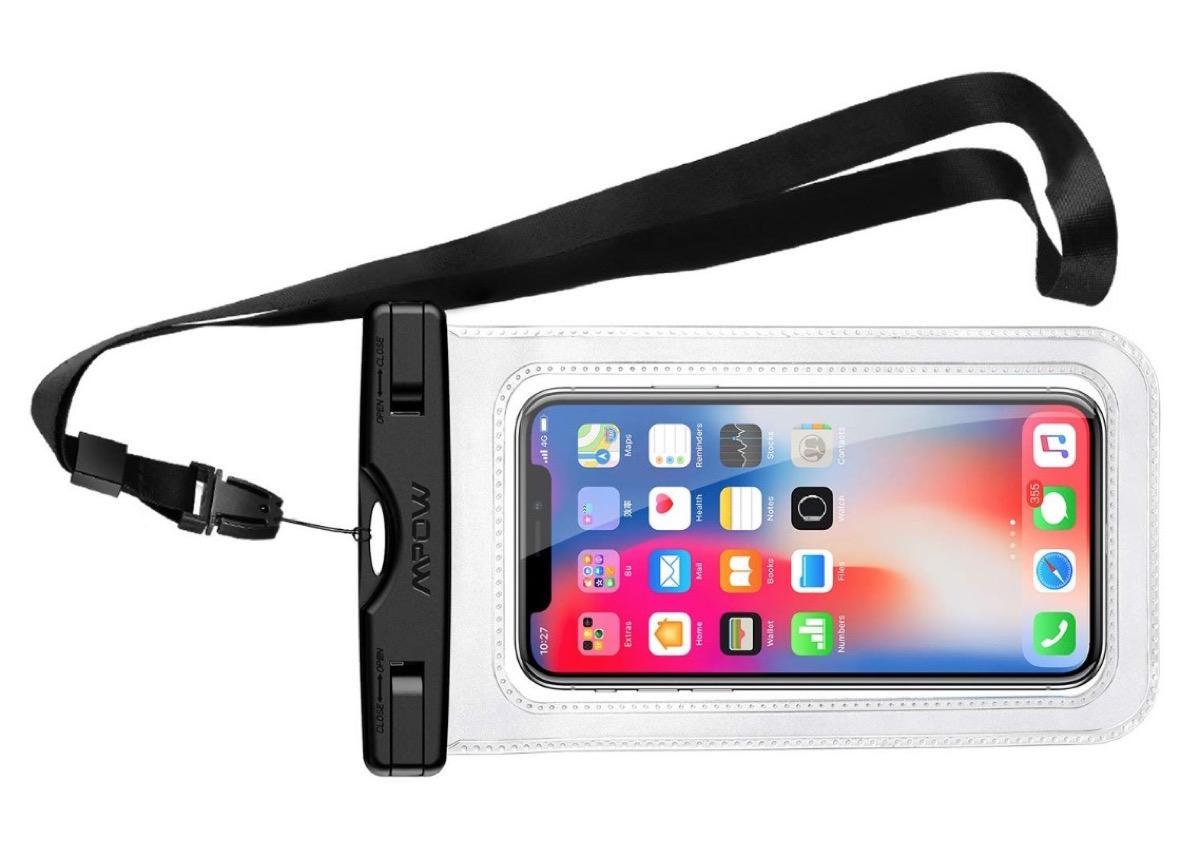 Sacca impermeabile per smartphone in sconto a soli 4,99 euro