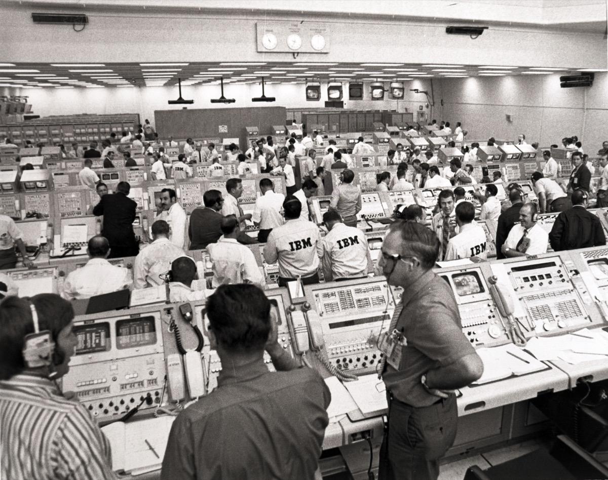 """IBM svela il """"dietro le quinte"""" dell'allunaggio dell'Apollo 11"""