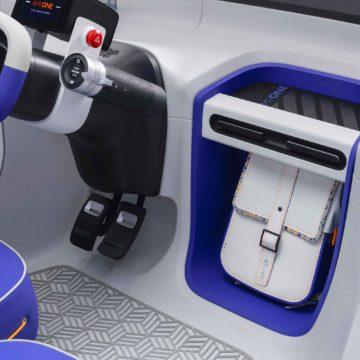Citroën 19_19 è un concept di veicolo 100% elettrico dalla forma di una capsula trasparente sospesa