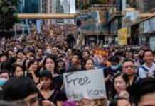 I manifestanti di Hong Kong con AirDrop aggirano la censura cinese