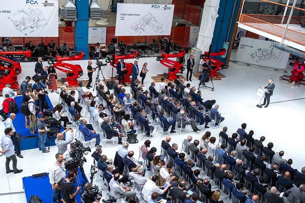 80 anni dello stabilimento Mirafiori, lanciata la nuova linea per la Fiat 500 elettrica