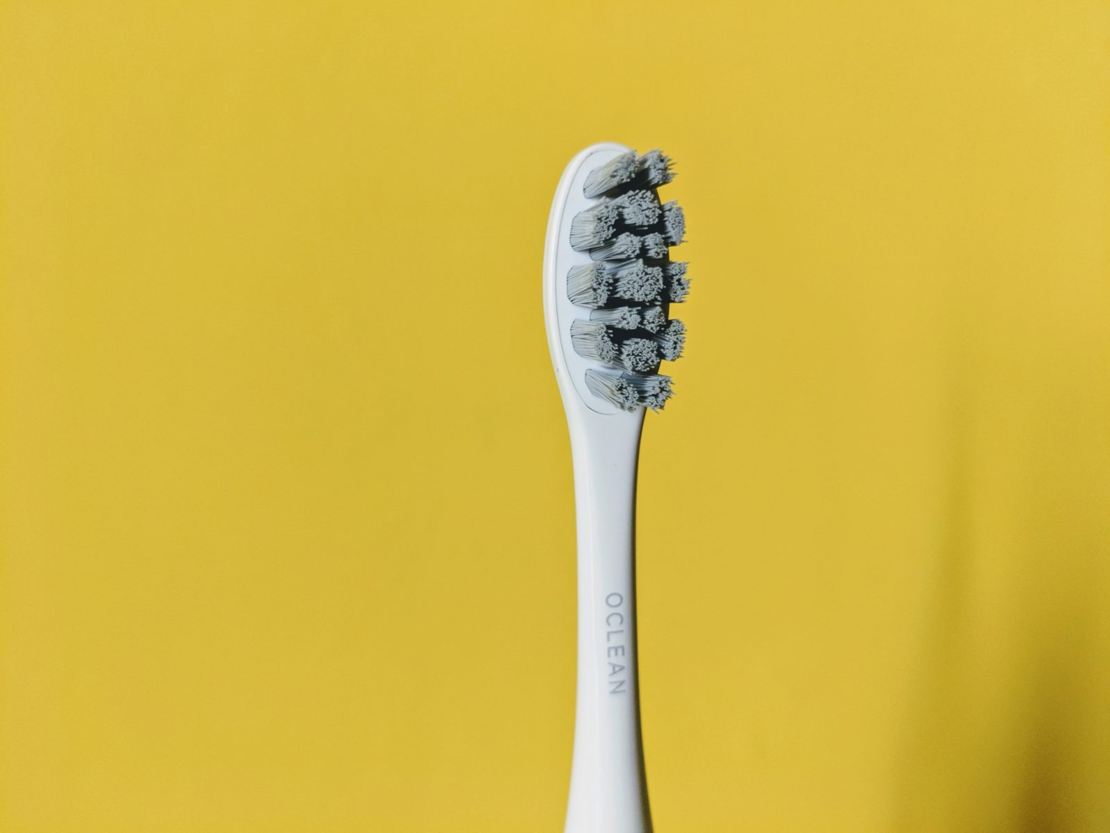 Recensione Oclean X, lo spazzolino ultrasonico smart con touch screen che non dovete lasciarvi sfuggire
