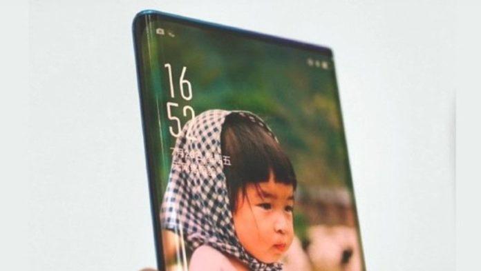 OPPO pensa agli smartphone con display a cascata