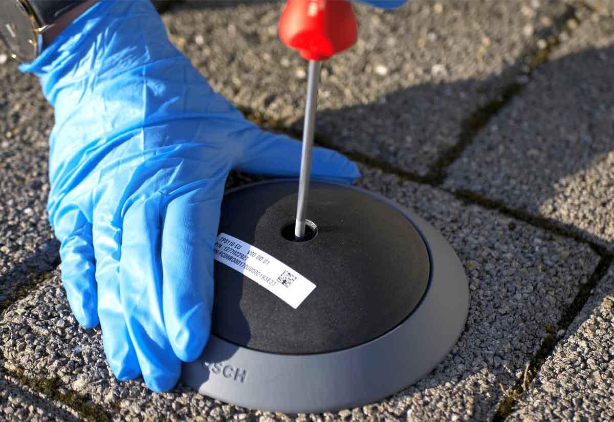 Parking Lot Sensor di Bosch facilita la ricerca di parcheggio e la gestione dei posti auto