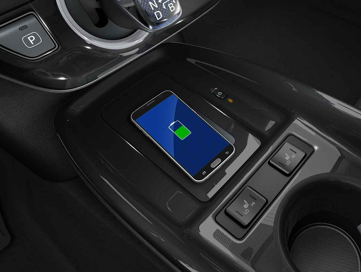 Toyota Prius plug-in Hybrid, ora cinque posti e gamma di funzioni hi.-tech