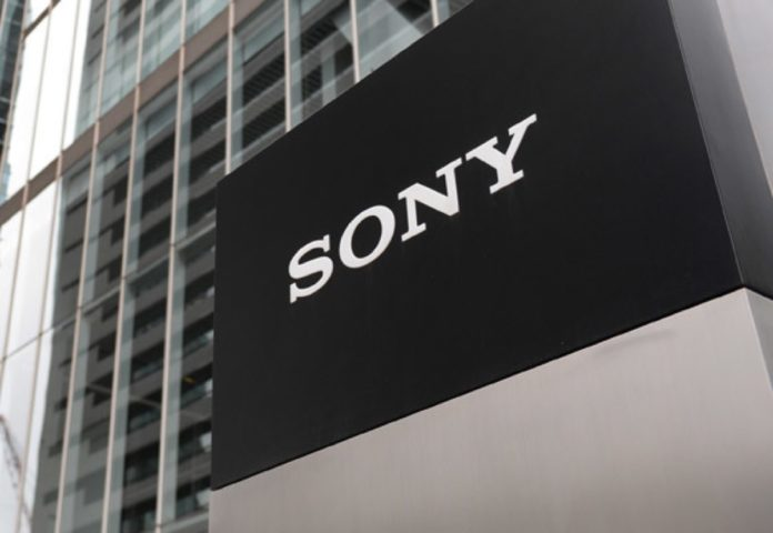 Sony lavora a uno smartphone con schermo arrotolatile