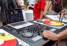 Roland DJ-707M, il controller per DJ che non devono solo mixare