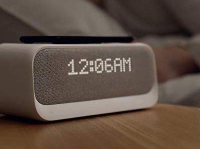 Recensione Anker Wakey, lo speaker Smart è anche caricatore wireless e sveglia digitale