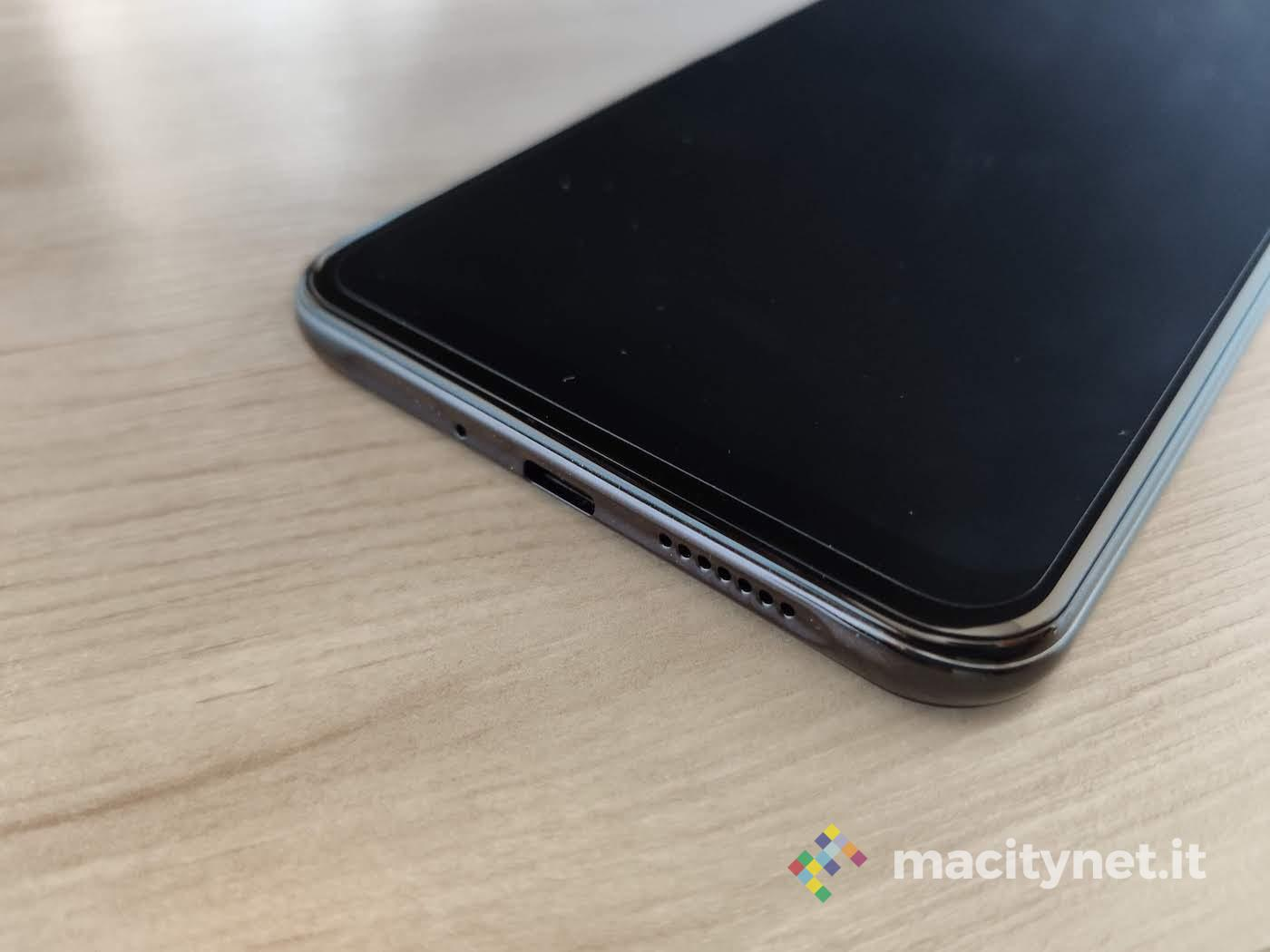 Recensione Oukitel K9, lo smartphone più grande che ci sia