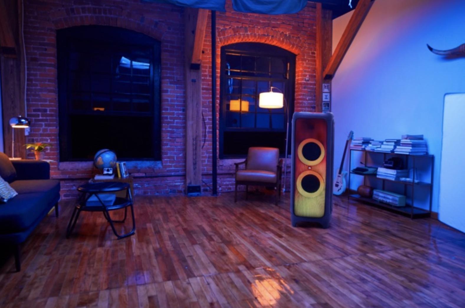 JBL Partybox 1000: lo speaker che riempe di musica e illumina le feste